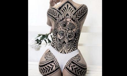 Precioso tatuaje estilo geometría floral blanco y negro