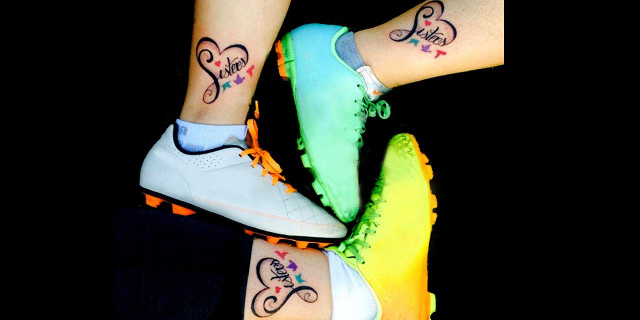Emotivos tatuajes de amistad y amor de hermanas