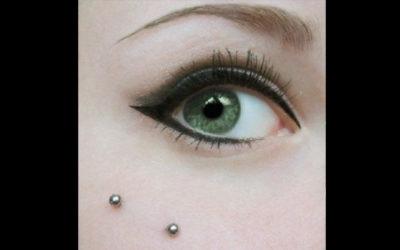 Fantástica idea para estar radiante con piercing facial y micropigmentación de ojos con sombreado de párpado